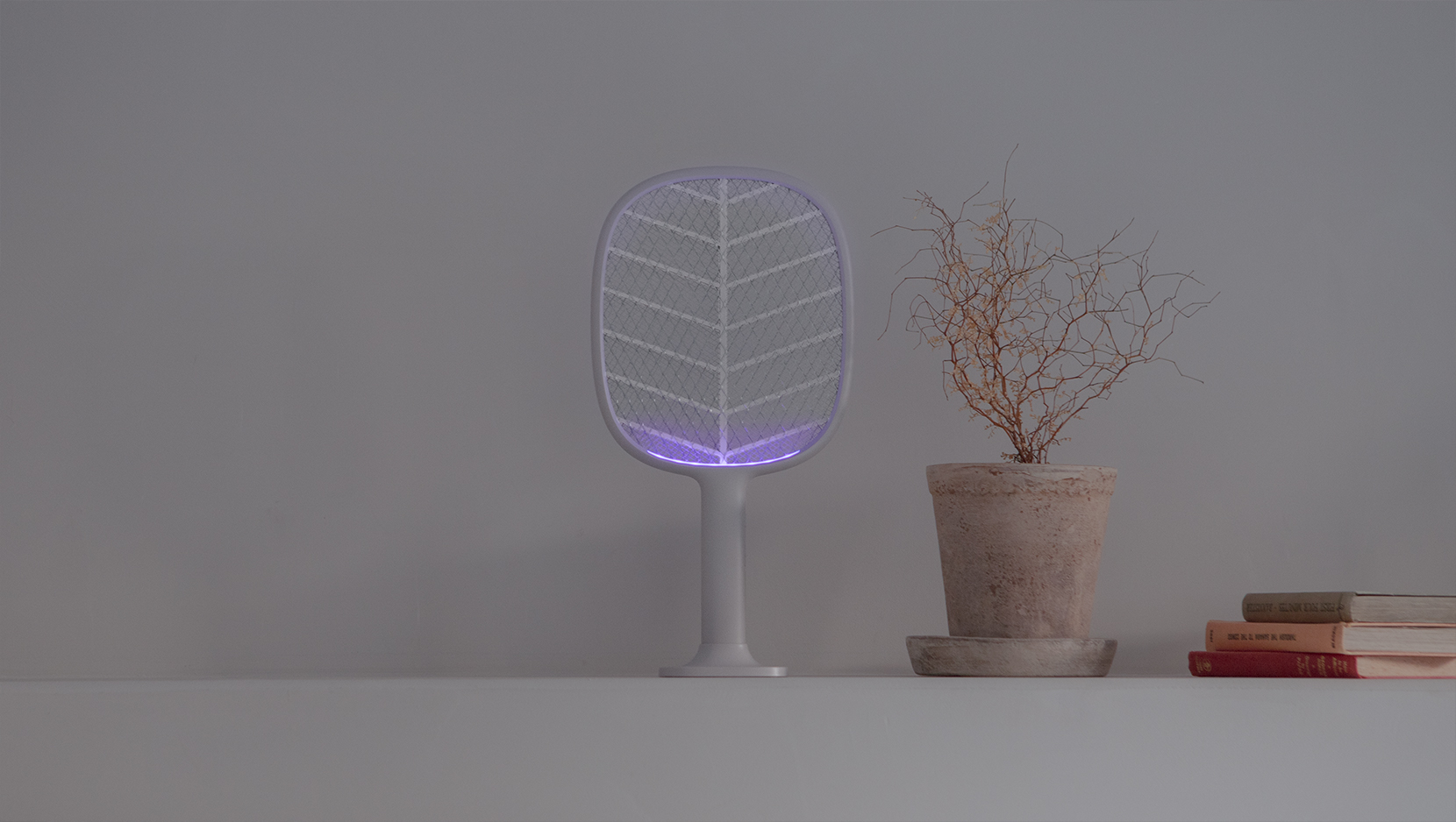 P2+ Vertical Electronic Mosquitos Swatter images